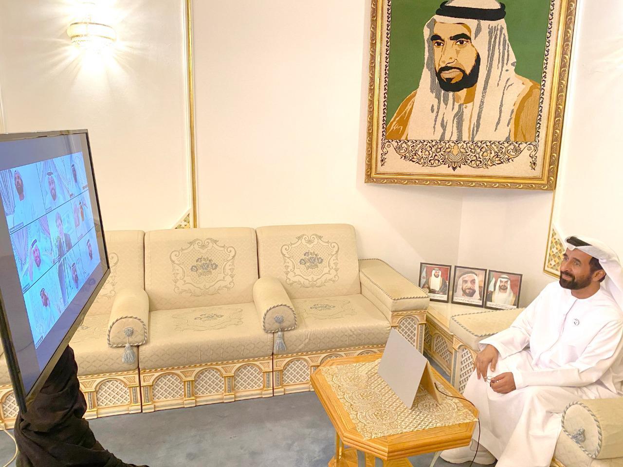 بمشاركة السفير البريطاني.. مجلس بن حم الرمضاني عن بعد: الإمارات جسر الأمل للعالم في جائحة كورونا