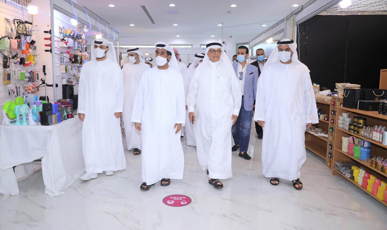 مسلم بن حم يفتتح مركز خيمة زمان للتسوق في دبي